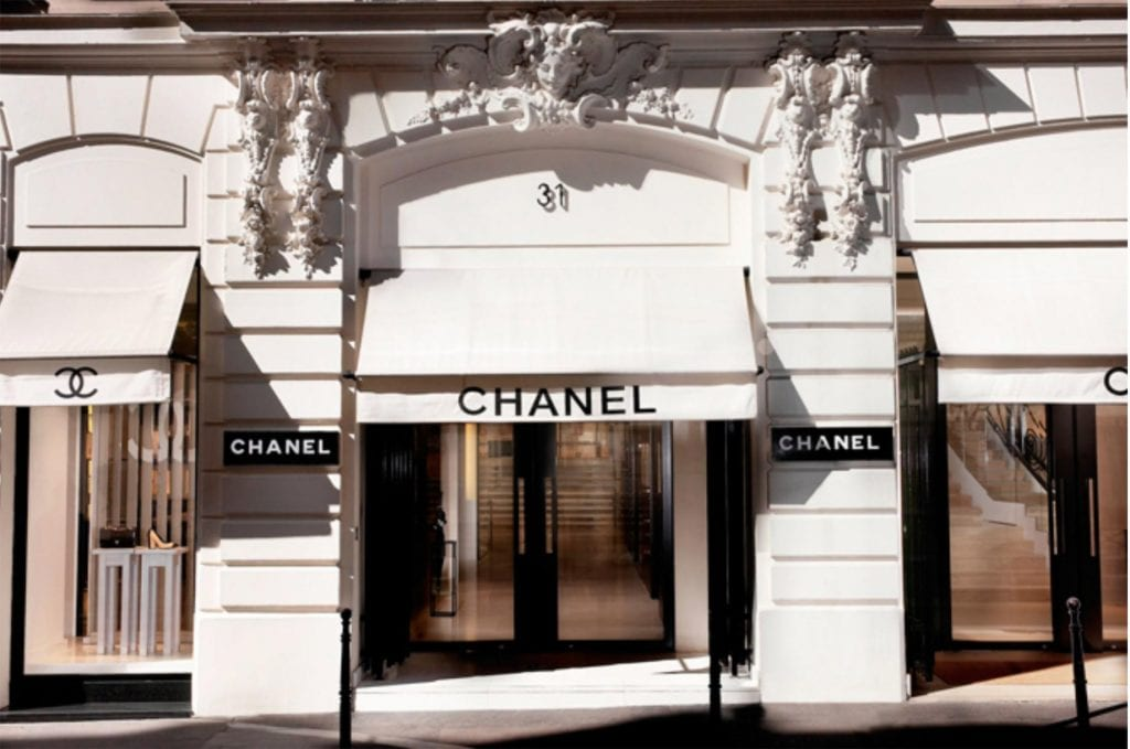 Chanel-Store-on-31-RUE-CAMBON | Chanel Handbag by popular Los Angeles fashion blog, Liz in Los Angeles: image of a Chanel store front.