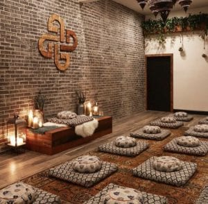 Top 5 Meditation Classes in Los Angeles, a blog by Liz in Los Angeles, Los Angeles Blogger, an image of a meditation room