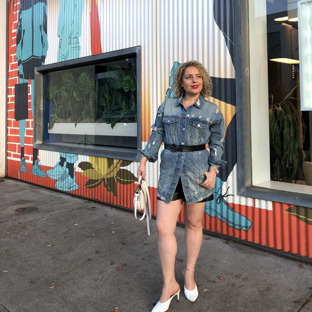 Top 5 Sustainable Fashion Brands in Los Angeles by Liz in Los Angeles, Lifestyle Blogger, AN IMAGE OF A BLOND WOMAN IN DENIM JACKET