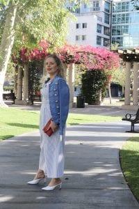 A Walkable Guide to Instaworthy Spots in DTLA y Liz in Los Angeles, a Los Angeles Lifestyle Blogger: image of a blonde woman in DTLA