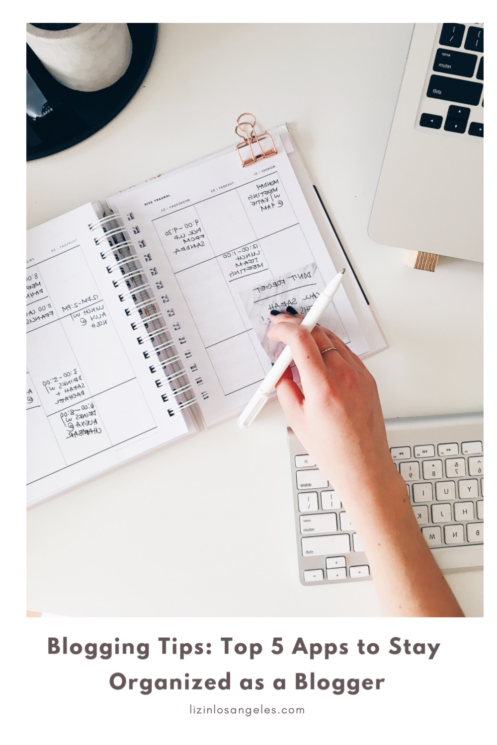 Top 5 Apps to Stay Organized as a Blogger, a blog post by Liz in Los Angeles, Los Angeles Lifedstyle Blogger, an image of desk organizers