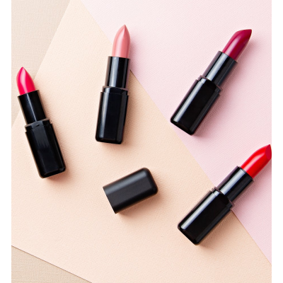 Top 5 Stunning Fall Lipstick Colors to Wear this Season